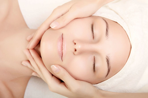 ANTI-AGING-FACE-LIFTING-MASSAGE-AT-GOLDEN-TOUCH-PHUKET.jpg
